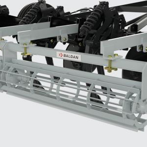 Crumbler roller manufactured with blades and supported on grease bearings and coil springs.