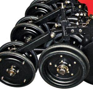 Limitation de roues à double profondeur excentrique pour garder les graines dans une profondeur uniforme. Roues de compactage avec régulation de pression.