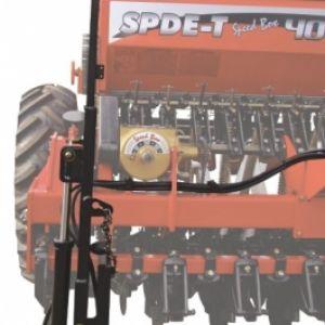 Opcional: Marcadores de linha hidráulico frontal de dupla ação com válvula seqüêncial.