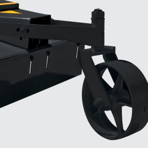 Wheel to helpping the rotary cutter level