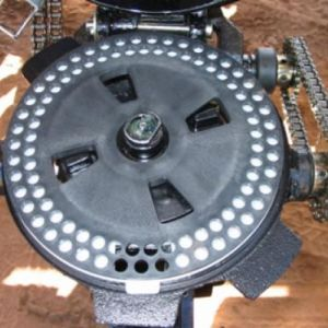 Sistema distribuidor de sementes com discos distribuidores
