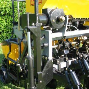 Marcadores de linha hidraulico de dupla acao com valvula sequencial.