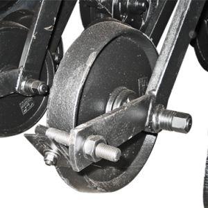 Opcional: Carrinho c/ roda compactadora de ferro