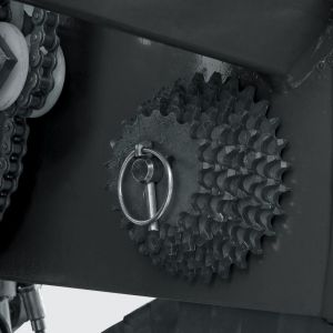 Gears to measure the distribution of fertilizer.